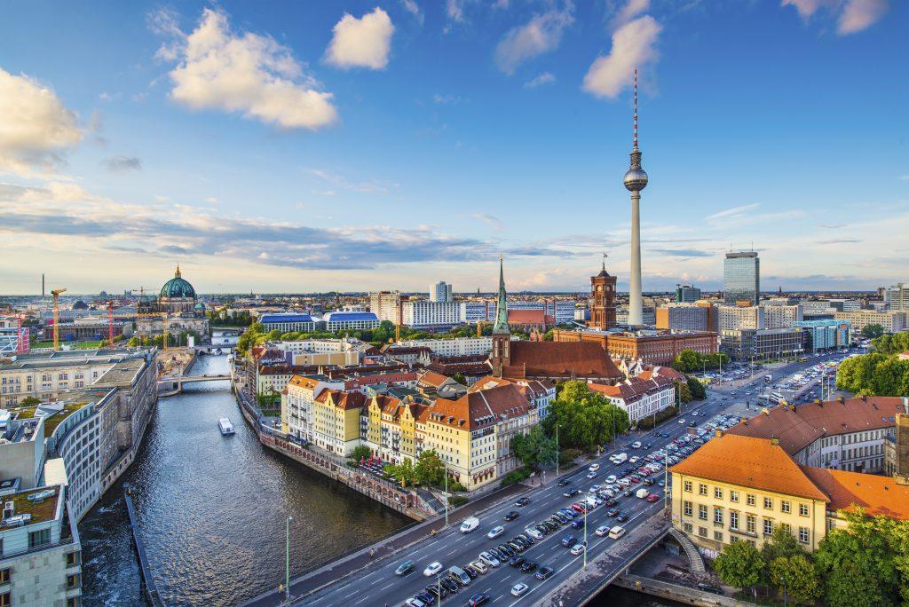 Haartransplantation Berlin, Haarverpflanzung Berlin für Männer und Frauen