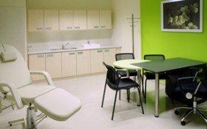 Behandlungsraum PROHAARKLINIK Ungarn, Haartransplantation Burgenland