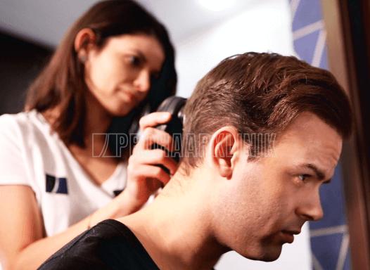Bei der Haartransplantation ist es wichtig, den Spenderbereich im unbeschädigten, ausgezeichneten Zustand zu hinterlassen